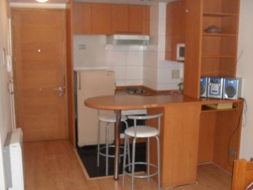 Departamentos modernos amoblados y full equipados en condominios nuevos.
