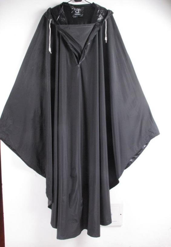 Poncho impermeable negro