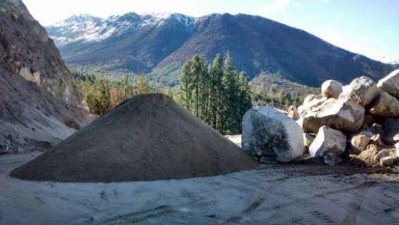 Aridos. (gravilla, arena fina, arena gruesa, maicillo, tierra de hoja y tierra vegetal)