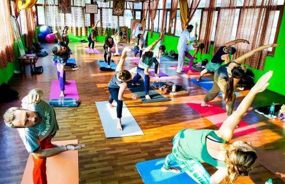 Yoga schools in rishikesh
